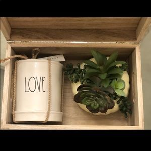 New Rae Dunn Love Planter